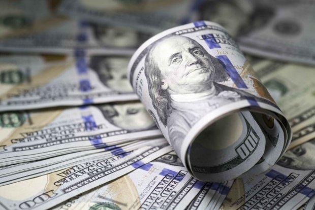 Сколько долларов было отправлено в Узбекистан из-за границы за 9 месяцев?